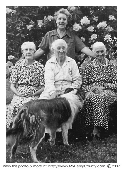 Mary Wood, Winona Smith, Nannie Wood, Kay Pierpont